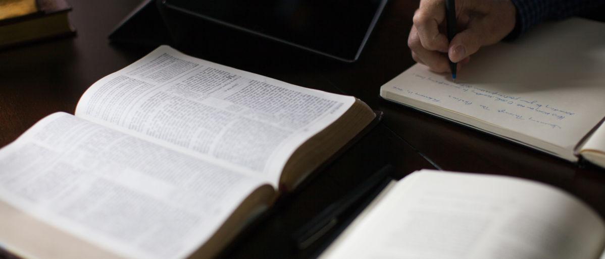 10 Benefits of Using a Sermon Calendar
